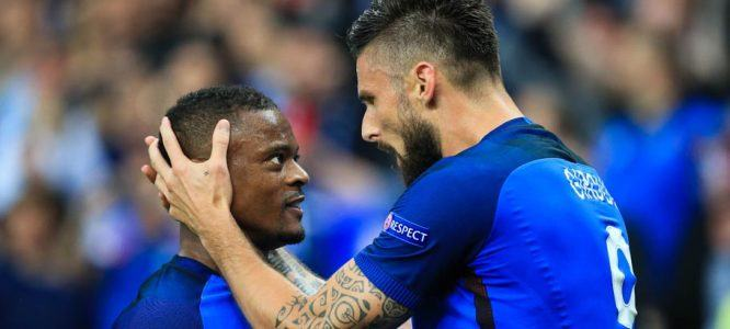 Olivier Giroud - Patrice Evra - Équipe de France  Photo: David Klein / PA Images / Icon Sport