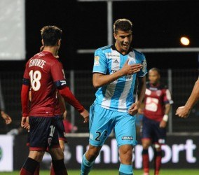 Zinedine MACHACH of Marseille celebrates scoring his goal during the League cup match between Clermont and Olympique de Marseille on October 26, 2016 in Clermont, France. (Photo by Jean Paul Thomas/Icon Sport)