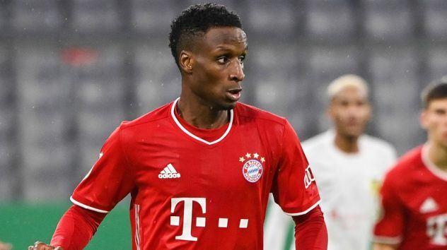 Bayern Munich: Pavard blessé, Sarr en profite